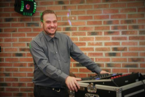 2016-10-31 - Jérémy notre DJ bénévole