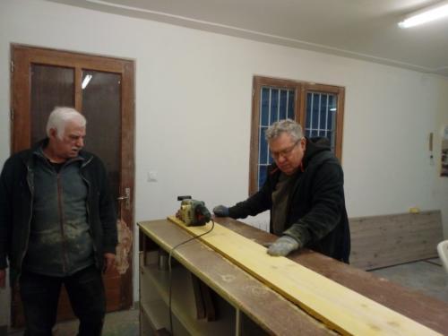 2019-Travaux local - préparation du bois pour décoration façade-bar
