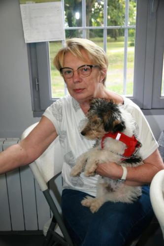 21-09-04 Viviane et Scotty, la mascotte du Biscayen